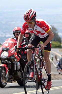 Chris Horner Gives Fallen Rider (and bike) a 2k Ride to the Finish
